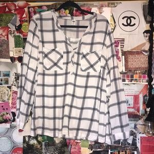 Old Navy Geometric Blouse White and Blue XL
